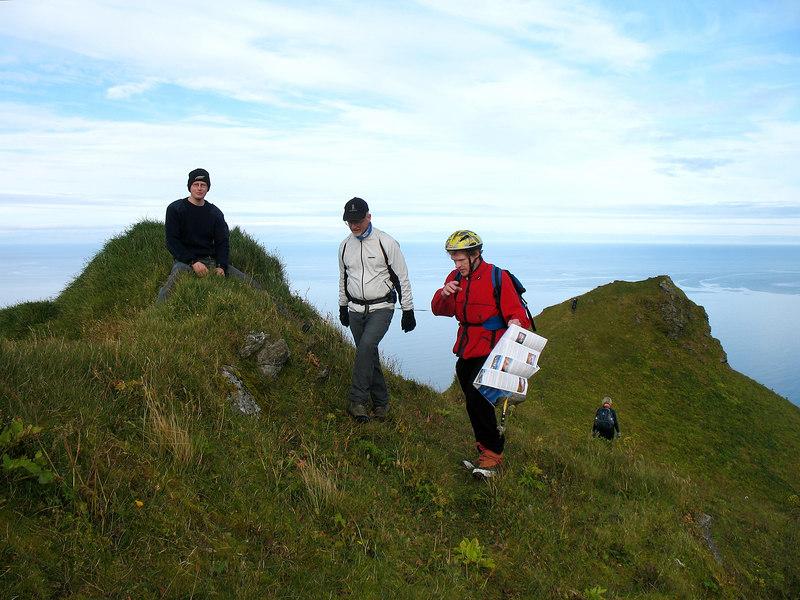 Skarphéðinn situr hér klofvega á fjallinu, horft til norðurendans.