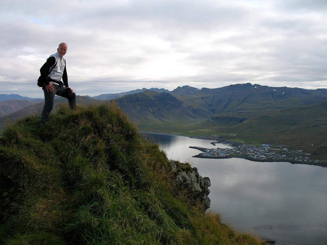 Þóroddur á sama stað.