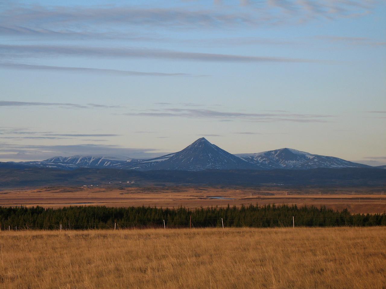 Horft til Baulu yfir sveitir Borgarfjarðar.