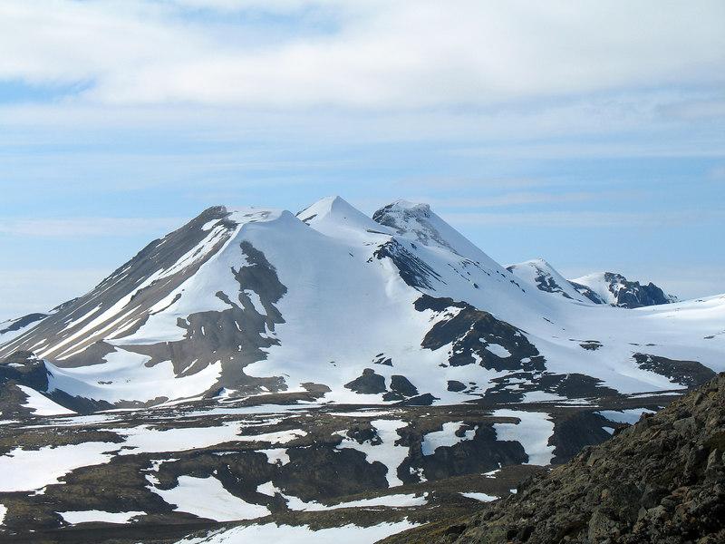 15:37 Horft til Ljósufjalla úr hlíðum Skyrtunnu.