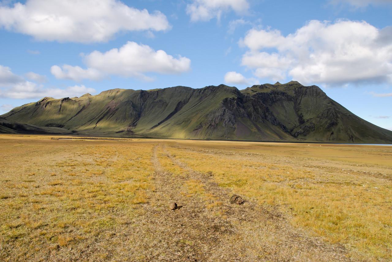 16:26 Löðmundur séður frá Dómadalsleið.