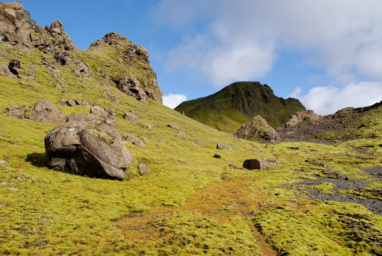12:37 Þótt enn sé langt í hæstu tinda Löðmundar þá einsettum við okkur að þessi yrði tekinn fyrst.