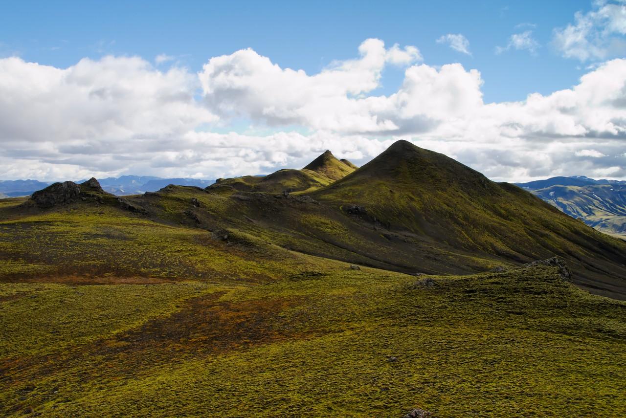 13:46 Farin að nálgast hæsta tindurinn - eigum þó eftir þennan sem næstur er áður en að honum kemur.