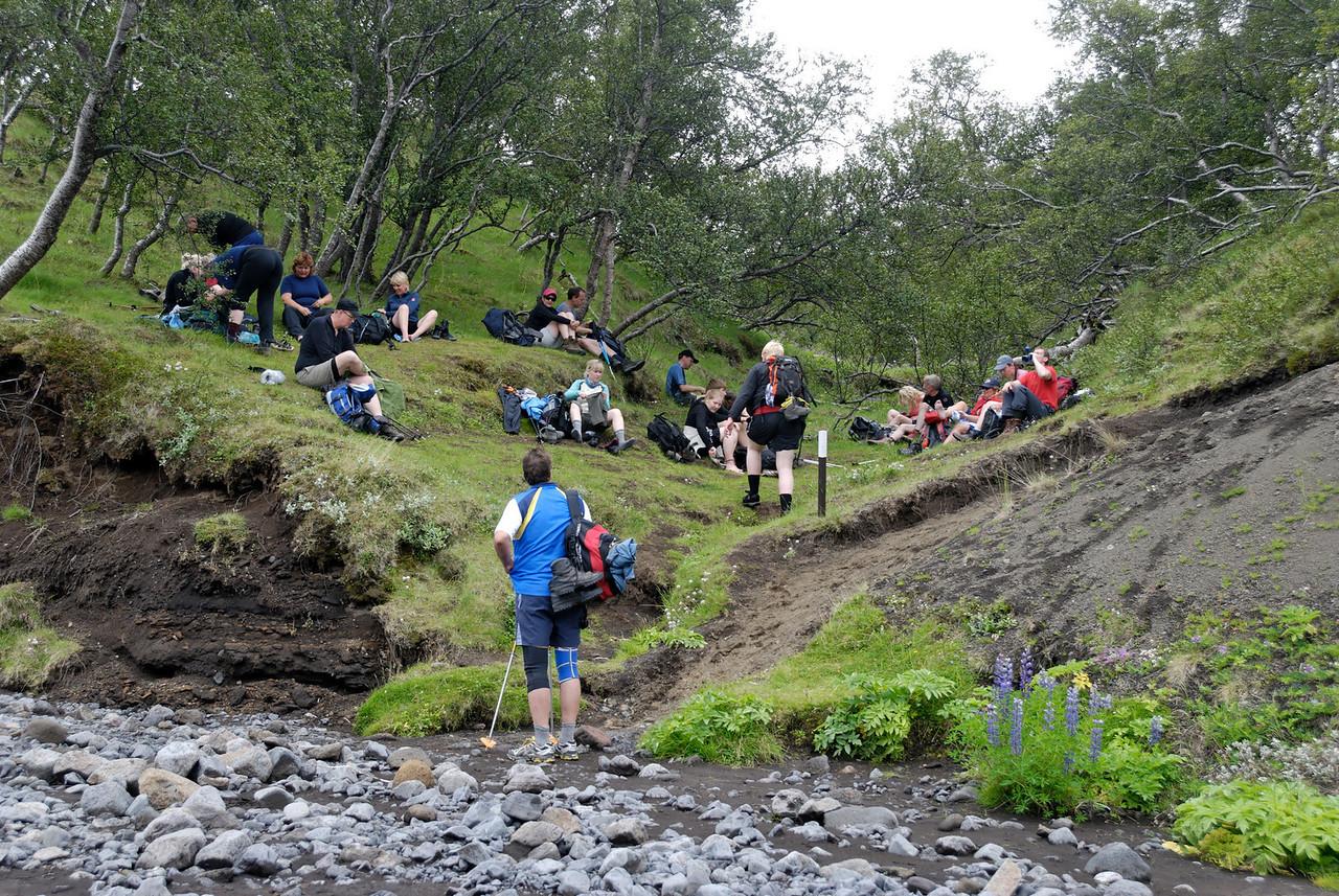 Dagur 4, 14:38. Skipt um skótau eftir Þröngána.