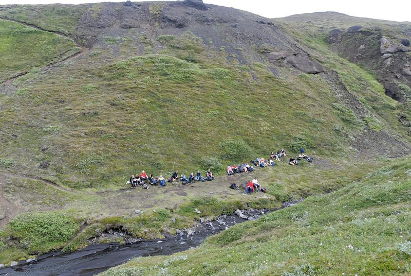 Dagur 4, 11:49. Matarhlé á hefðbundnum stað í Bjórgili.