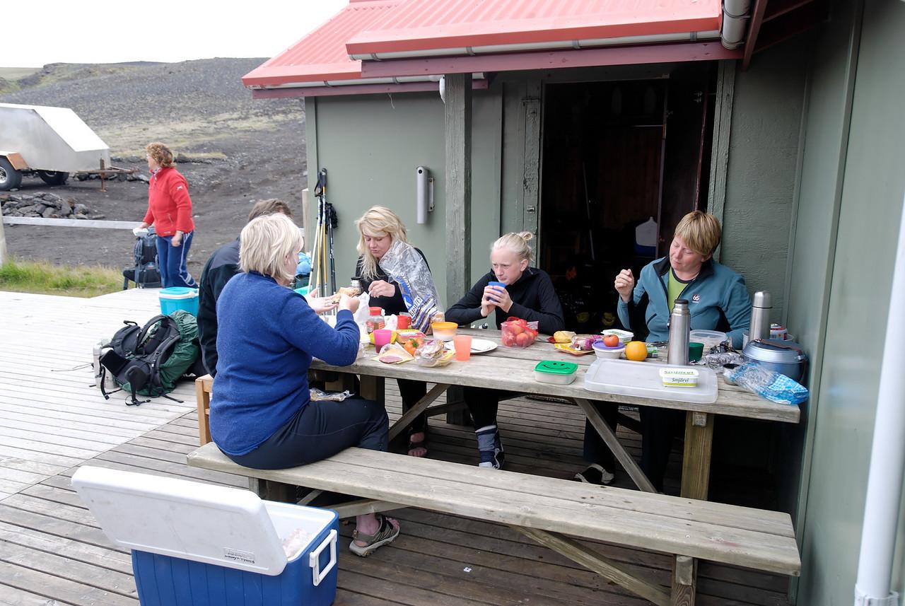 Dagur 4, 07:53 Botnar, etinn morgunverður fyrir síðasta áfangann.