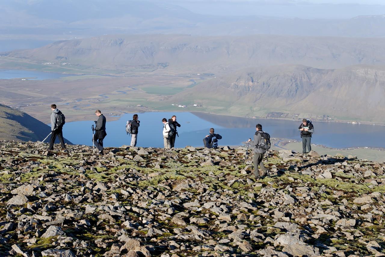 15:43 Horft niður yfir Meðalfellsvatn.