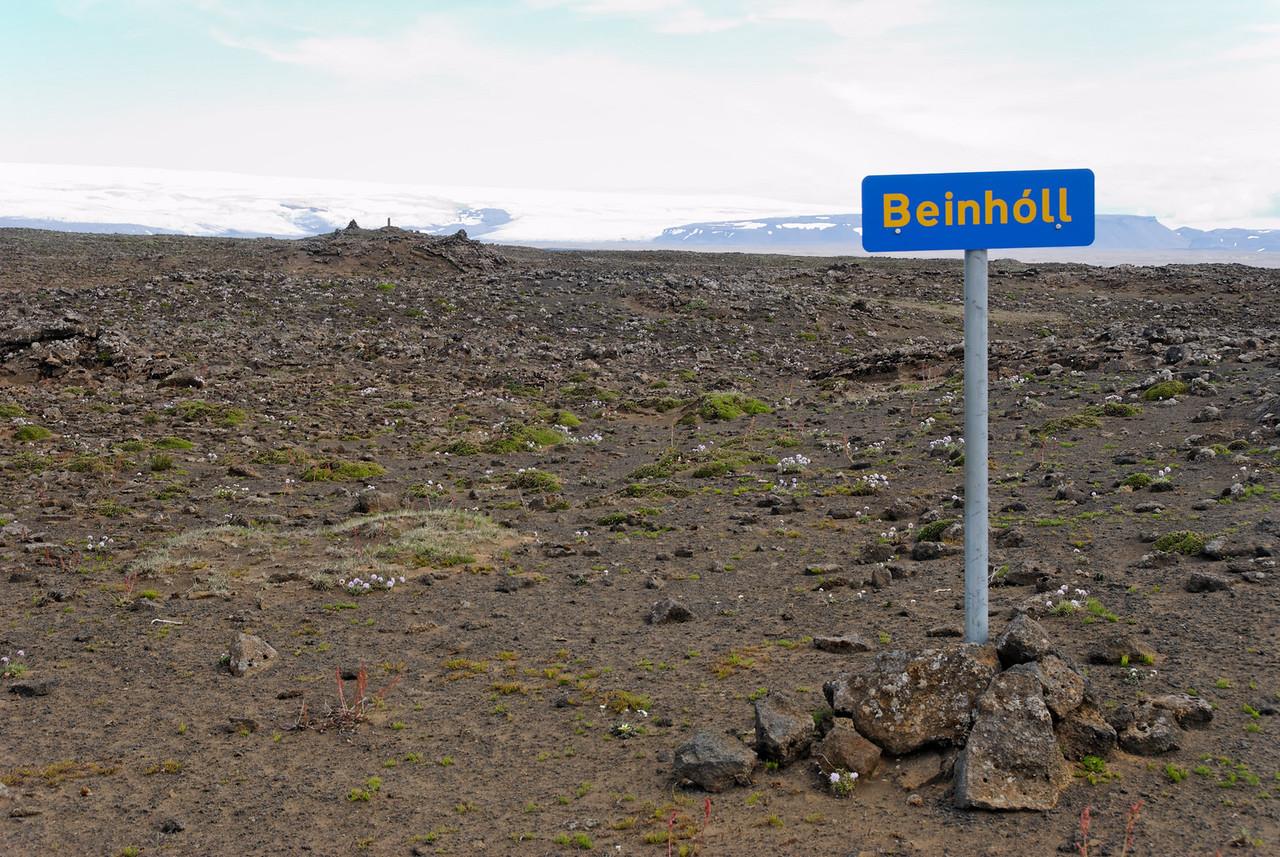 14:05 Jú, Beinahóll var eitt af því sem átti að stytta manni stundir á þessari píslargöngu.