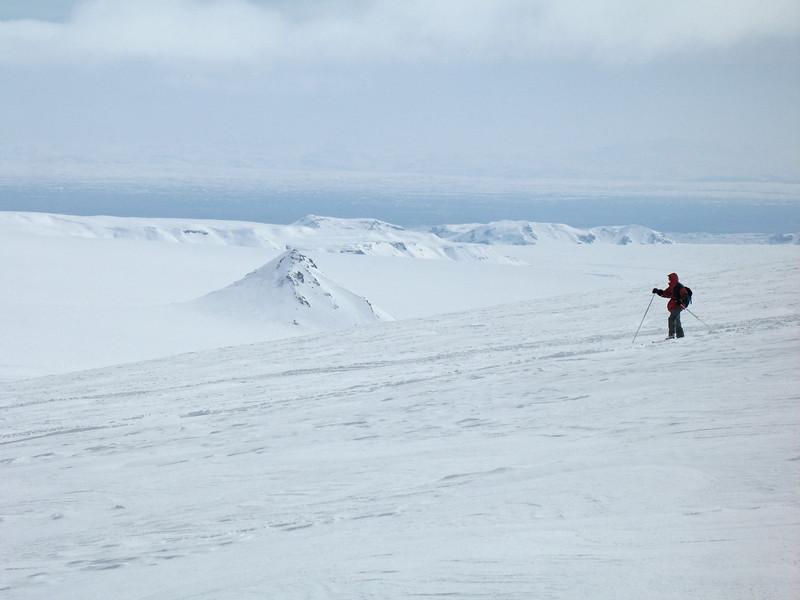 Á leið niður af Geitlandsjökli, hér er horft til Klakks og Hagafells.