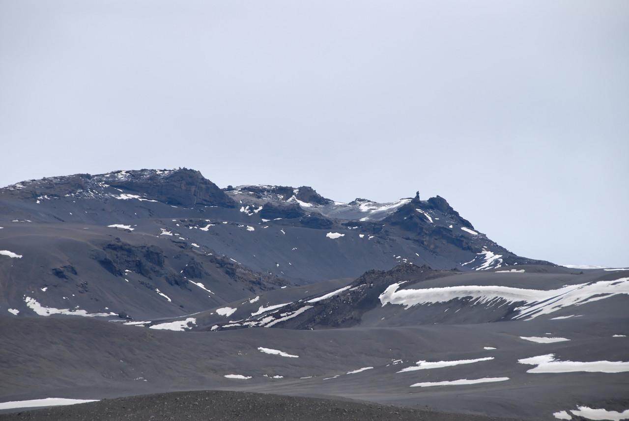 09:21 Dór kom snemma í ljós - en þeesi mynd er tekin með miklum aðdrætti og við áttum mestalla leiðina eftir.