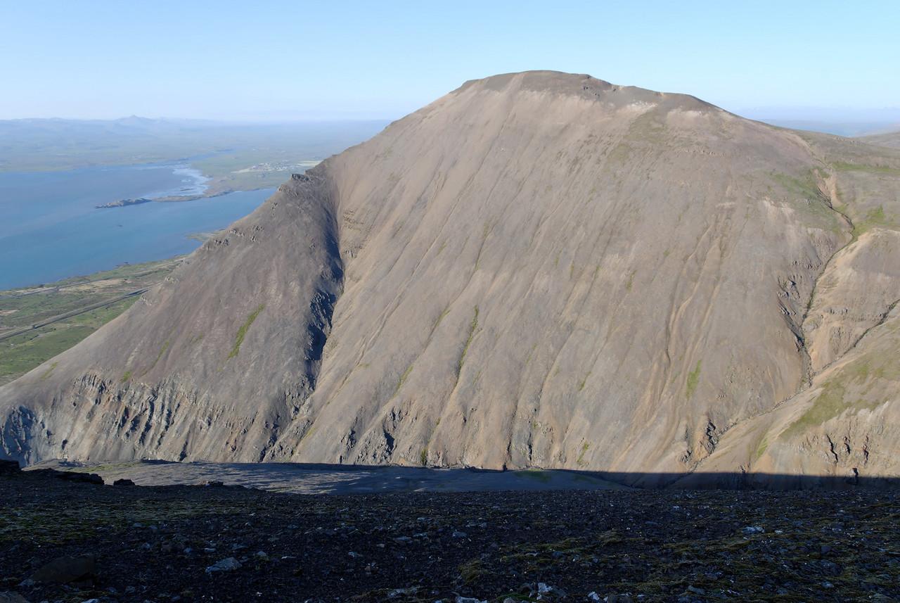 20:25 Þessi hluti Hafnarfjalls heitir kannski Tungukollur (en Klausturtunguhólsnafnið er notað á tvö fjöll í Mapsource - þar sem við fórum upp og líka á þetta).