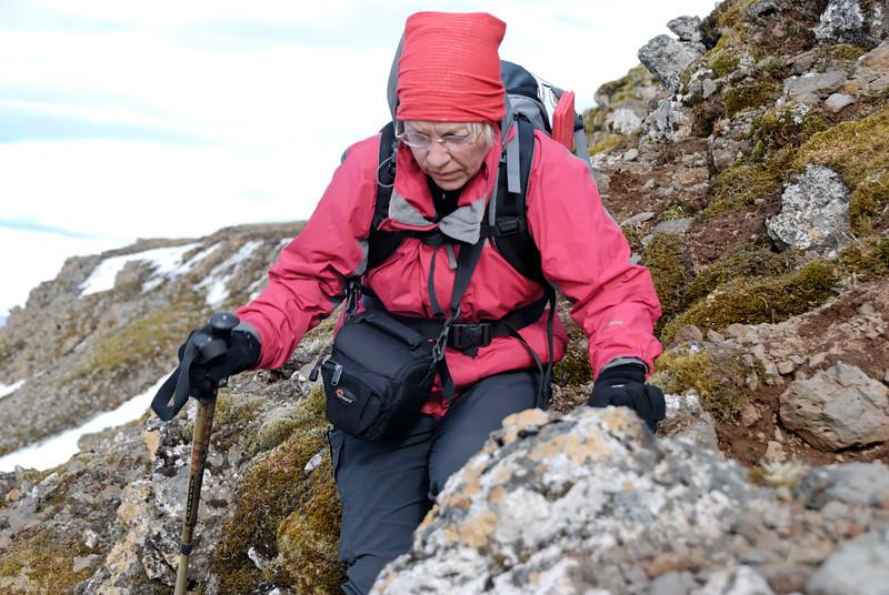 19:08 Gerður vandar sig við klöngrið.