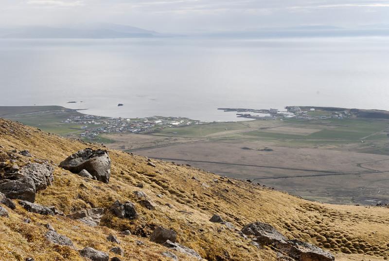 18:06 Horft niður á Skagaströnd.