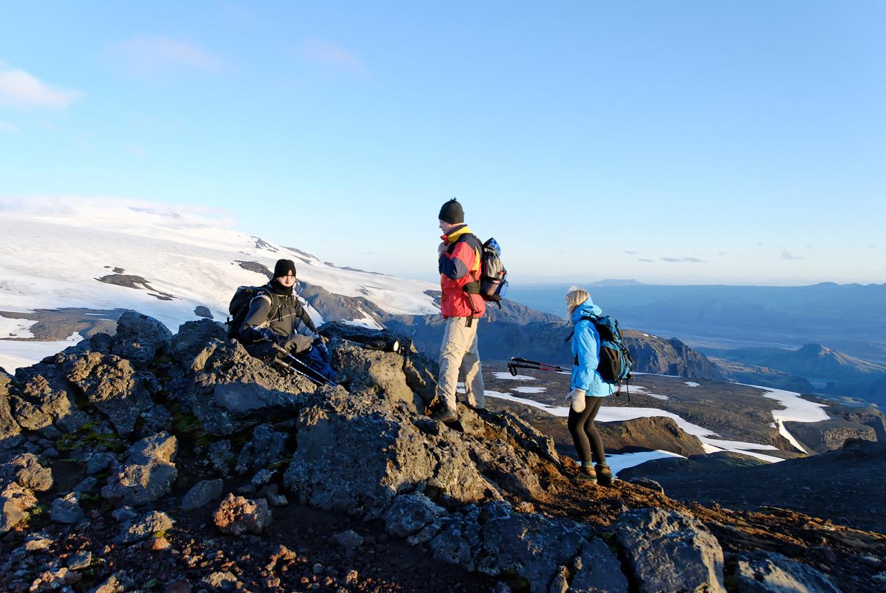 04:20 - Þarna var tekin nestispása enda flott útsýni yfir Þórsmörk og Goðaland.
