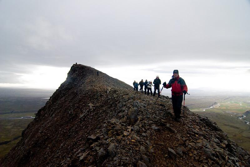 Á niðurleið voru þræddar eggjar inn að upptökum Mælifellsgils. Sennilega er þetta greiðfærari leið en sú sem við völdum til uppgöngu.