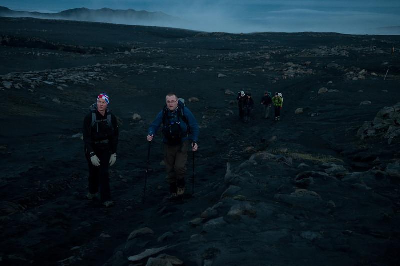 00:26 Komin upp fyrir vað - og askan orðin allsráðandi