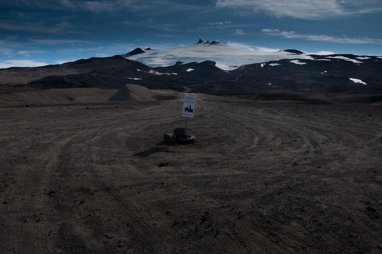 18:06 Ef maður hefði verið með öðrum - og á tveimur bílum - hefði mátt skilja annan eftir þarna langt upp á sleðaveginum.