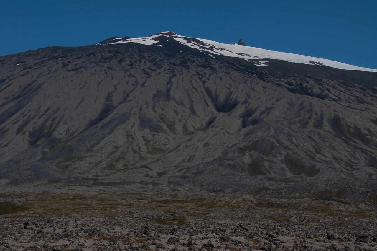 """12:27 önnur """"prófílmynd"""" - það má segja að gönguleiðina beri hér við himin frá vinstri að Miðþúfu um Vesturþúfu."""