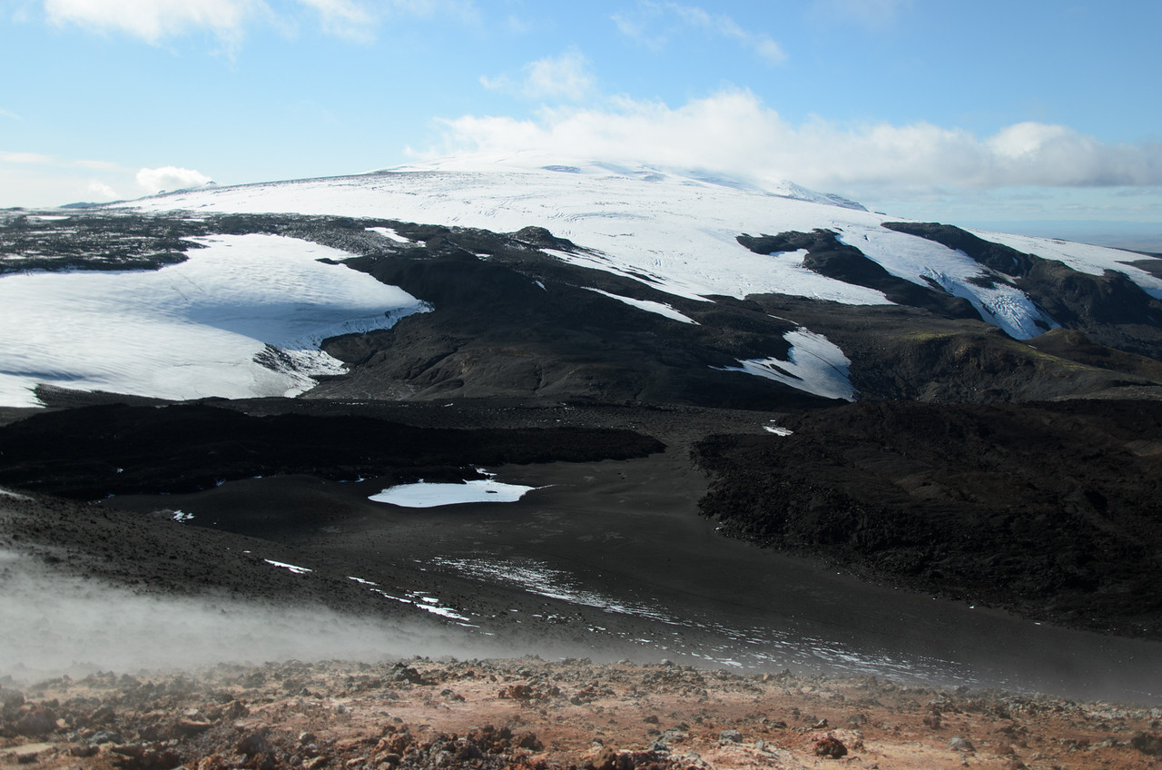 Lookin west towards Eyjafjallajökull, the lava flows from the two craters almost join up