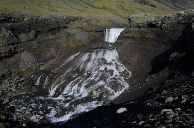 A final view of the fan-shaped waterfall