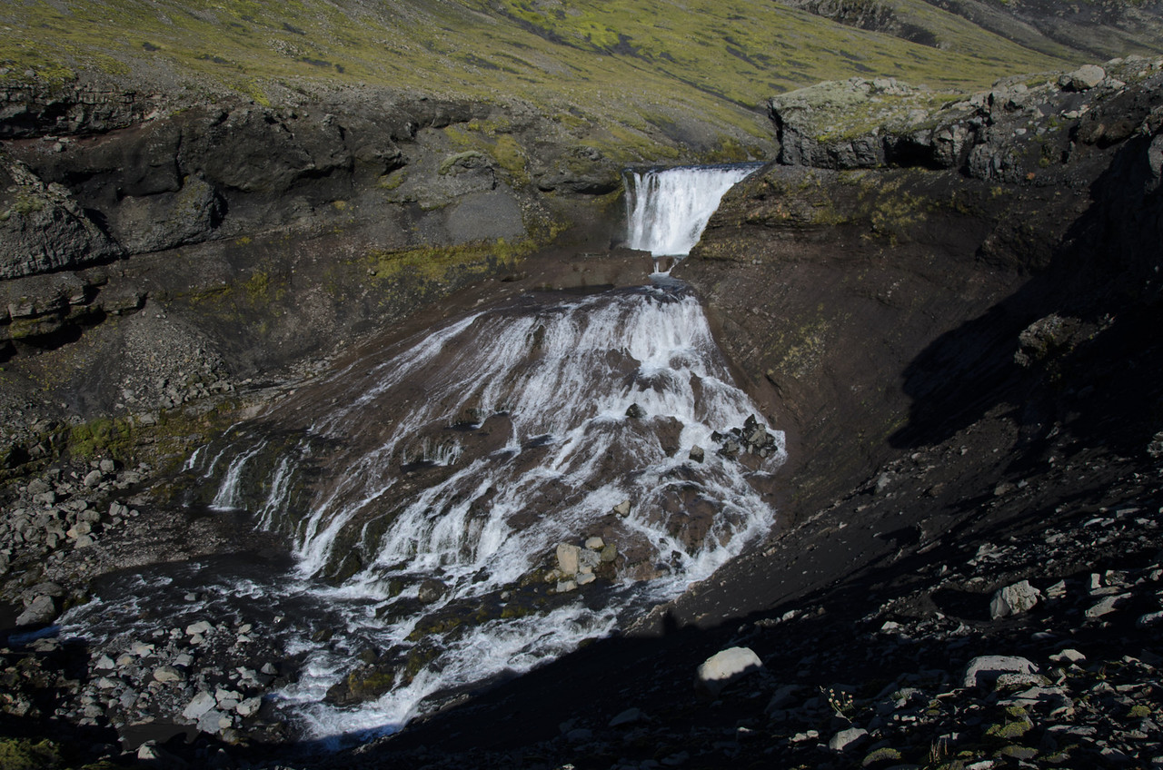 A final view of the fan-shaped waterfall