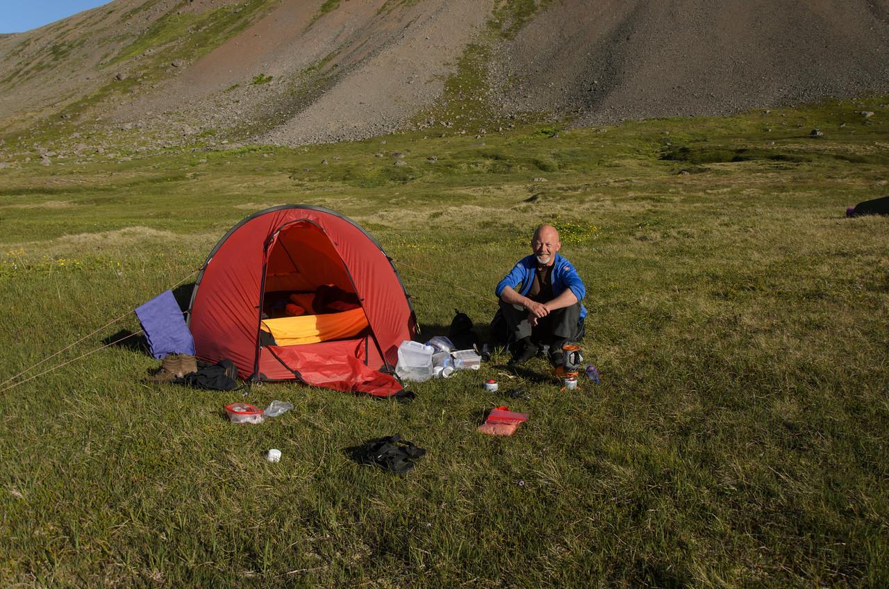 Morgunandakt á tjaldstæði við Hrafnfjörð