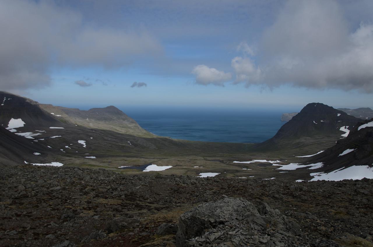 Horft niður á Hornstrandir - Kjaransvík