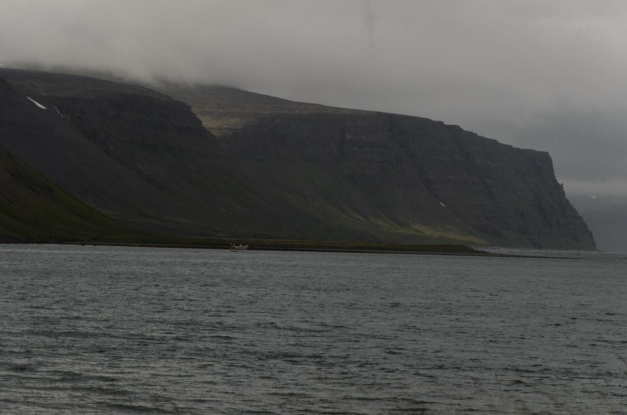 Inn af Langeyri lá skúta, það var varla hægt að þverfóta fyrir þeim!