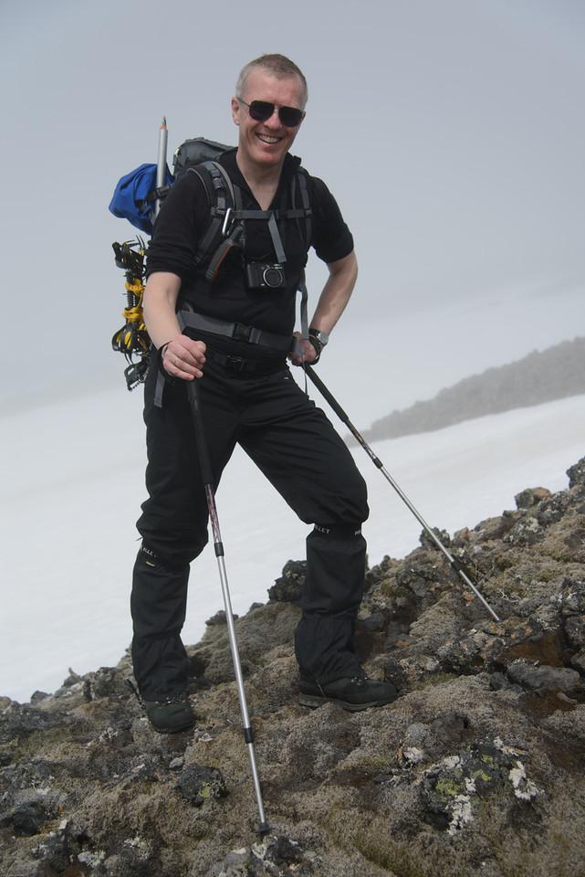 Í 800 metrum var komið upp úr skýjum, Bjarni virðist nokkuð ánægður með það!