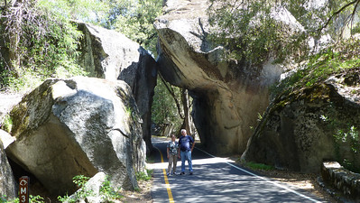 2013/04/21 >> Mom and Dad at Yosemite