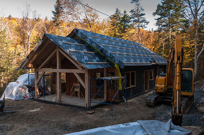 Work continues on the '66 bunkhouse at Moosilauke Ravine Lodge. Photo by David Kotz '86.