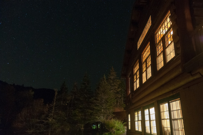 Night views of Moosilauke Ravine Lodge and the starry sky.