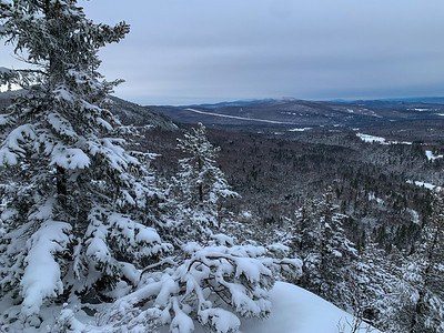 The first viewpoint along the Chippewa Trail to Black Mountain.