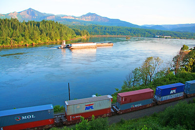 006 Columbia River Rail & Barge Traffic