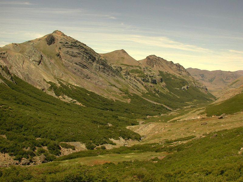 Estero Campamento valley.