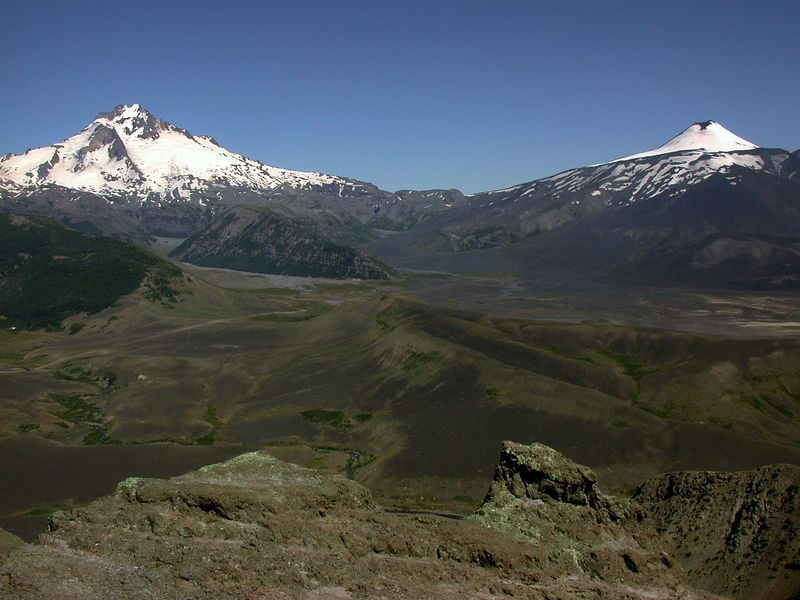 Sierra Velluda on the left and Volcan Antuco on the right