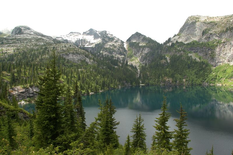 Thornton Lake and surrounding peaks