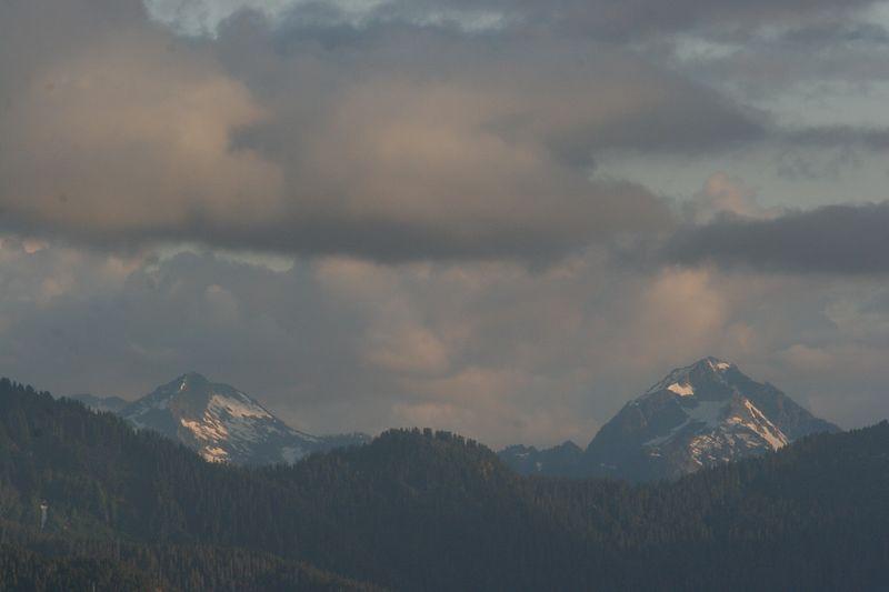 We're not sure what any of these mountains are, but we're looking in the vicinity of Eldorado Peak, Dorado Needle, Klawatt Peak, Primus Peak, and Tricounti Peak.