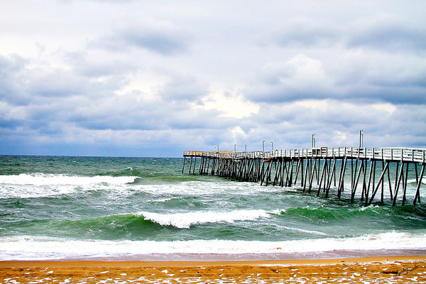 Avalon Fishing Pier with snow