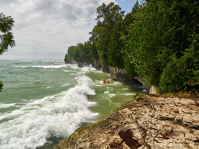 Cave point county park. Crashing waves of Lake Michigan
