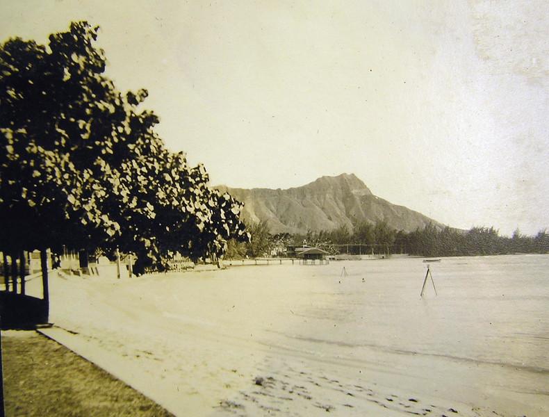 Waikiki Beach 1914