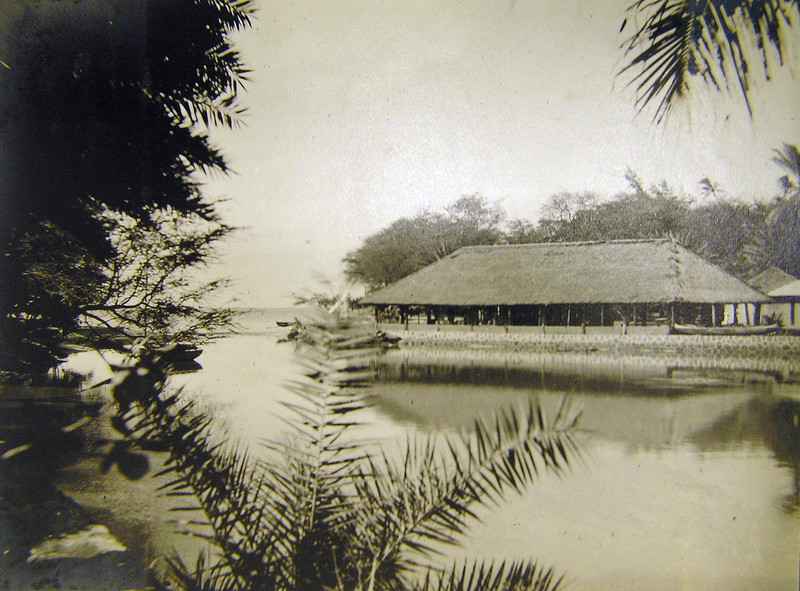 Outrigger Canoe Club and Pond 1914