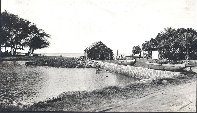 Outrigger Canoe Club and Lagoon 1914