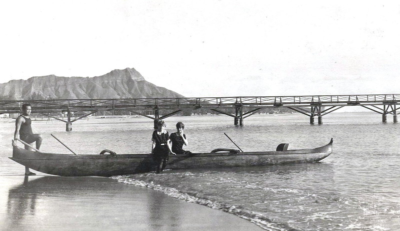 Moana Pier and Diamond Head 1914