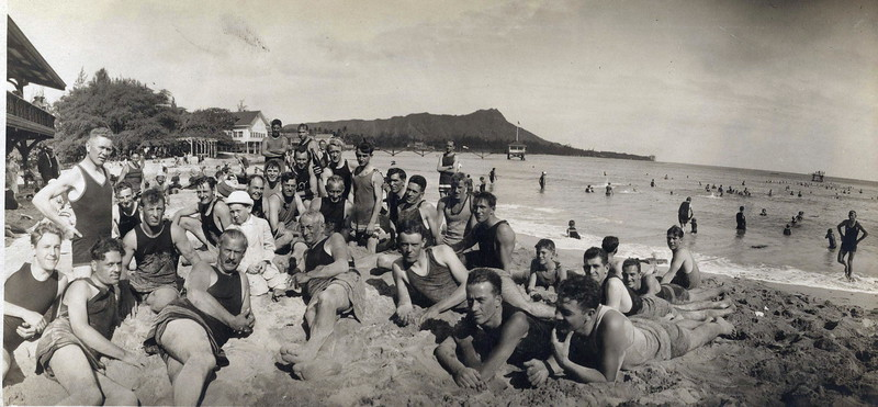 Waikiki Beach 1915