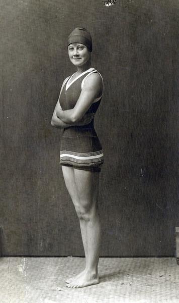OCC Swimmer Beatrice Dowsett 1919