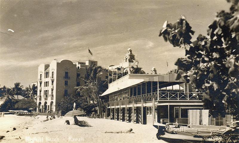 Waikiki Beach c1940