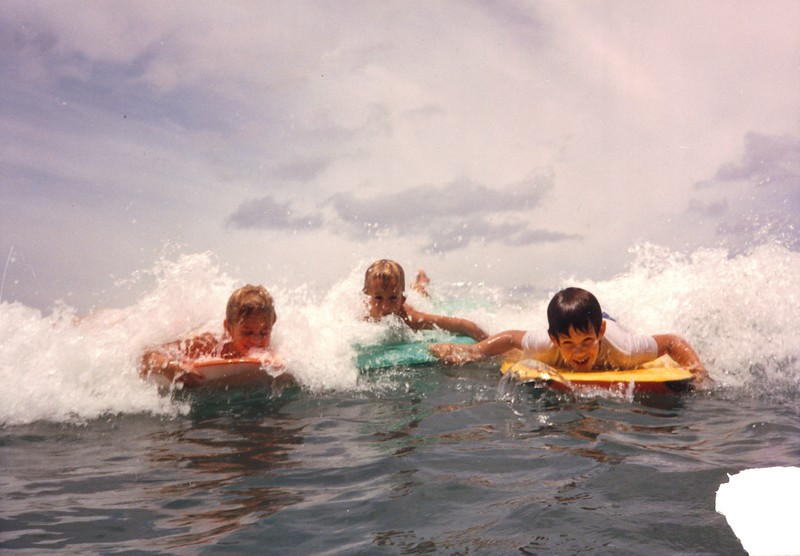 1986 Catching Waves