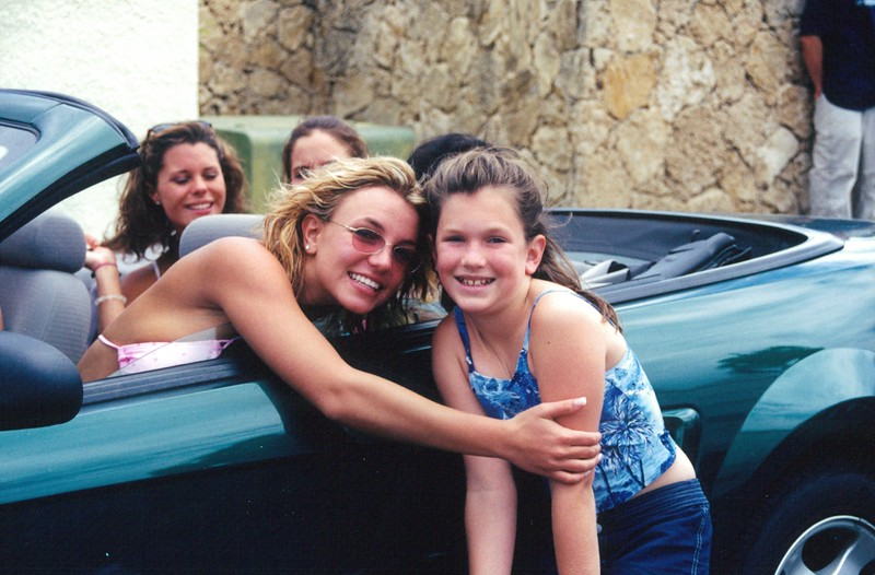 2000 A Hug From Britney