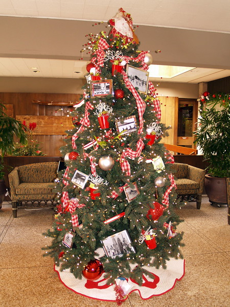2007 Outrigger Christmas Decorations